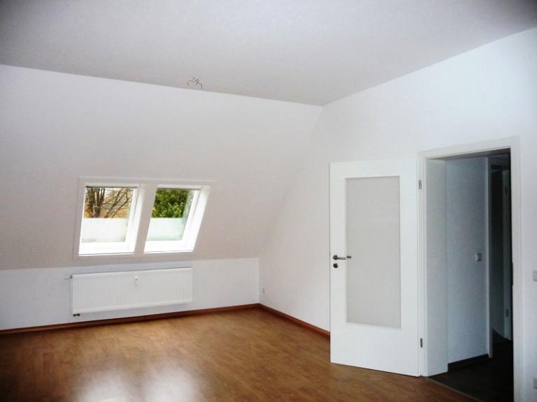 komplett sanierte dg wohnung in angenehmer wohnlage inkl stellplatz leistner immobilien gmbh. Black Bedroom Furniture Sets. Home Design Ideas